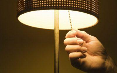 Se dormi con la luce rischi di ingrassare?
